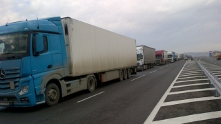 Traficul camioanelor mai mari de 7,5 tone, restricţionat în Ungaria