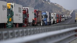 """""""Asigurătorii nu vor să vândă RCA-ul pentru camioane deoarece produc daune mari"""""""