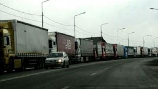 Timpul de așteptare al camioanelor la ieșirea din țară ajunge la 100 de minute