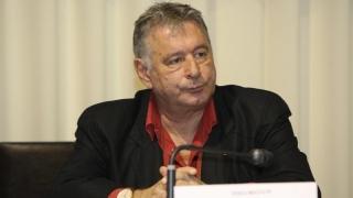 Parlamentarii care și-au angajat rudele înainte de 2013 scapă de... mâna legii