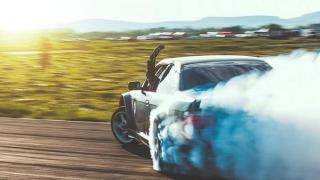 Campionatul Naţional de Drift, pe cea mai spectaculoasă şosea din România