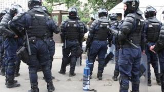 Amprentele unuia dintre teroriştii de la Paris, găsite în apartamentul vizat de raidurile din Bruxelles