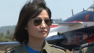A murit prima femeie-pilot militar din China
