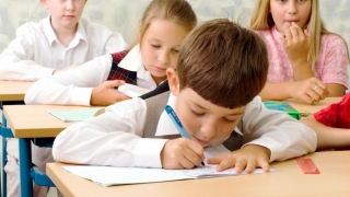 Când vor intra în vacanță elevii din învățământul primar și preșcolarii