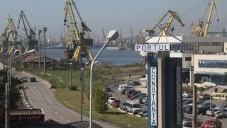 Angajații unei companii din Portul Constanța, în grevă de avertisment