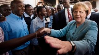 Angela Merkel a fost în Africa, să vorbească despre terorism şi migraţie