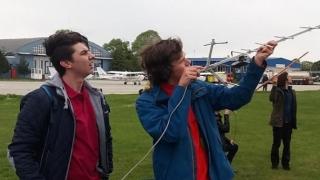 Cine are cel mai tare satelit într-o doza de suc?! Echipele se înfruntă pe 4 mai, la Tuzla!