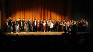 Aplauze pentru liceenii-actori din Huși, Tulcea și București