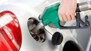 Cu cât s-au ieftinit carburanții, azi, după eliminarea supraaccizei