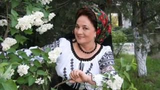 Casa părintească a cunoscutei cântărețe Laura Lavric, mistuită de flăcări