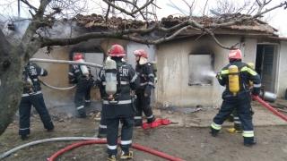 Copil găsit carbonizat sub dărâmăturile unei case care a luat foc în Kogălniceanu