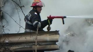 Explozie la o casă din Năvodari! Două persoane au fost rănite