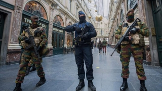 Ascunzători în Belgia ale teroriştilor, identificate de anchetatori