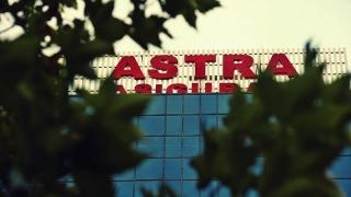 Fără Astra, viața-i roz în asigurări