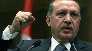 Recep Erdogan câştigă la limită referendumul privind sistemul prezidenţial