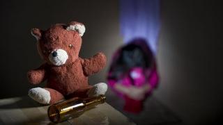 Castrarea chimică a pedofililor ar putea fi folosită și în România!