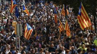Catalonia își declară INDEPENDENȚA: Discurs ținut de premier în Parlament