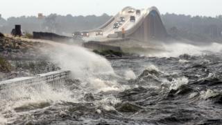 Catastrofă la nivel mondial dacă nivelul mărilor şi oceanelor ar creşte cu 2 m