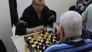 Atenție! Se schimbă programul cluburilor pentru pensionari!