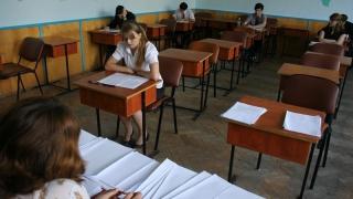 Câți elevi au chiulit la simularea Bacalaureatului la Matematică și Istorie