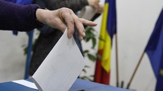 Câți români au dreptul de a vota la referendumul din weekend