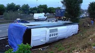Autocar răsturnat la Barcelona