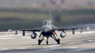 Avioane militare prăbuşite după coliziune, în SUA