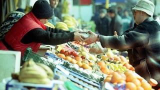 Bani complicaţi pentru producătorii de fructe şi legume! Ce trebuie să facă aceştia