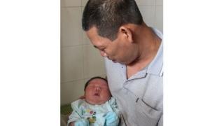 Bebeluș de 7,1 kilograme! Vezi care este recordul mondial!