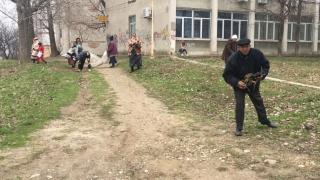 Beneficiarii ajutorului social din Constanța, scoși de Primărie la curățenie