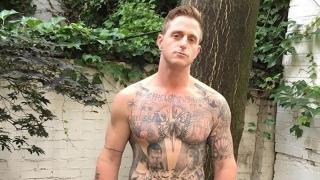 Cameron Douglas are tatuaje cu... tata și bunicul