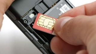 Cartelele SIM, înlocuite treptat cu cipuri