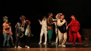 """""""Căsuța poveștilor"""" se deschide pentru pici, la Teatrul """"Oleg Danovski"""""""