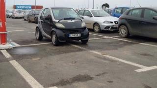 """Cât de """"smart"""" să fii ca să parchezi așa?"""