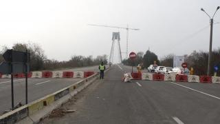 Căutați o ocazie de a înjura autoritățile? Iar se închide podul de la Agigea!
