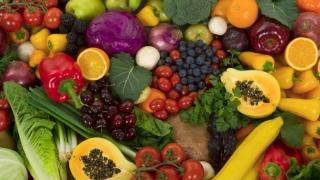 Ce au găsit veterinarii la fructele şi legumele din import?