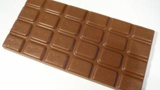 Ce conțin Fanta și ciocolata Milka în România; dar în alte țări?