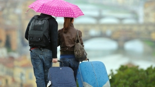 Ce îi nemulțumește pe români când pleacă în vacanță în UE?