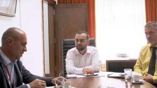 """Ce le-a promis ministrul Dialogului Social reprezentanților """"Sanitas"""". Să-l creadă?"""