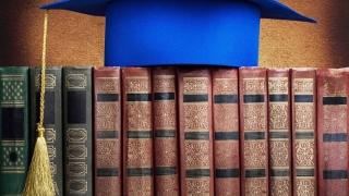 Cele mai mari cinci universităţi din ţară cer evaluarea şcolilor doctorale
