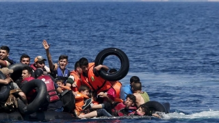 Cel puţin 25 de imigranţi s-au înecat în Mediterană