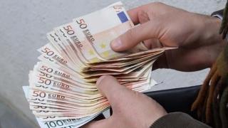 Ce poți cumpăra cu 2.000 de euro?! Un permis de conducere sau un buletin