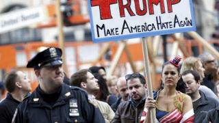 Cu ce se mai ocupă americanii? Marşuri contra şi pro Trump, cu o prezenţă suspect de redusă