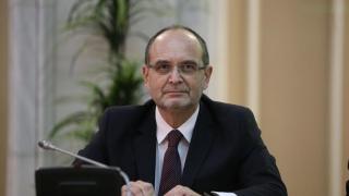 Ce spune ministrul Educației despre profesorii care girează lucrări științifice