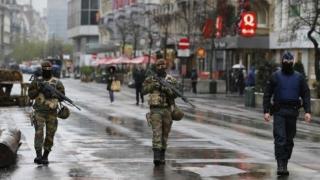 Cum te poţi apăra dacă eşti prins într-un atac terorist