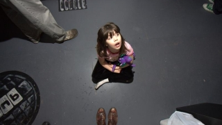 Cine are grijă de copii, după plecarea părinților în străinătate