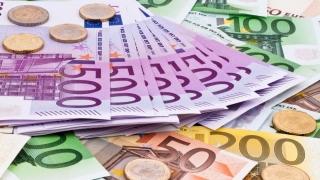 Circa 250.000 de euro în bagajul unui cetățean moldovean