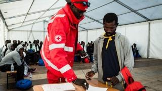 Circa 700 de imigranţi, salvaţi în Mediterană