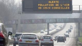 Circulaţie alternativă la Paris, din cauza poluării