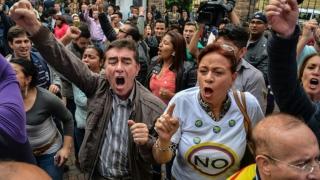 Columbia respinge, prin referendum, acordul de pace între Guvern şi FARC